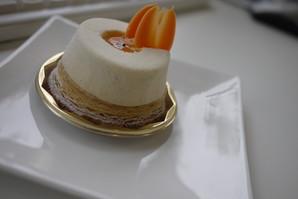トゥールビヨンさんのケーキ