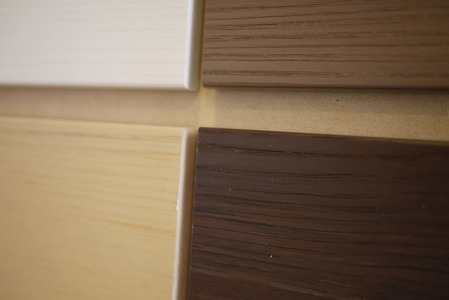 リアルな木目の樹脂ウッド