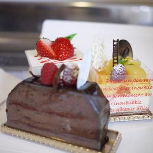 野口さんが持ってきてくれたケーキ