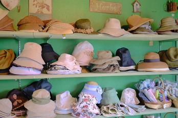 ガーデナー必須の帽子がいっぱい!