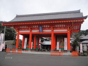 満願寺入り口。