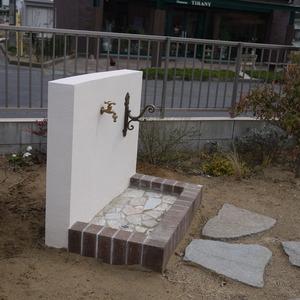 立水栓とホースハンガー