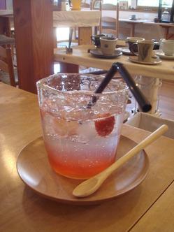 苺の蜜サイダー