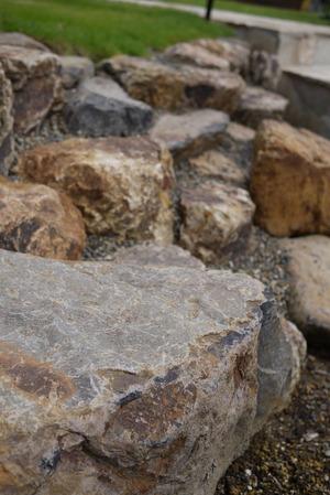 味わい深い自然石