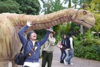 恐竜がお散歩してた!