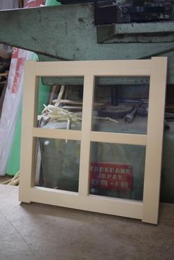 シェッドの小窓